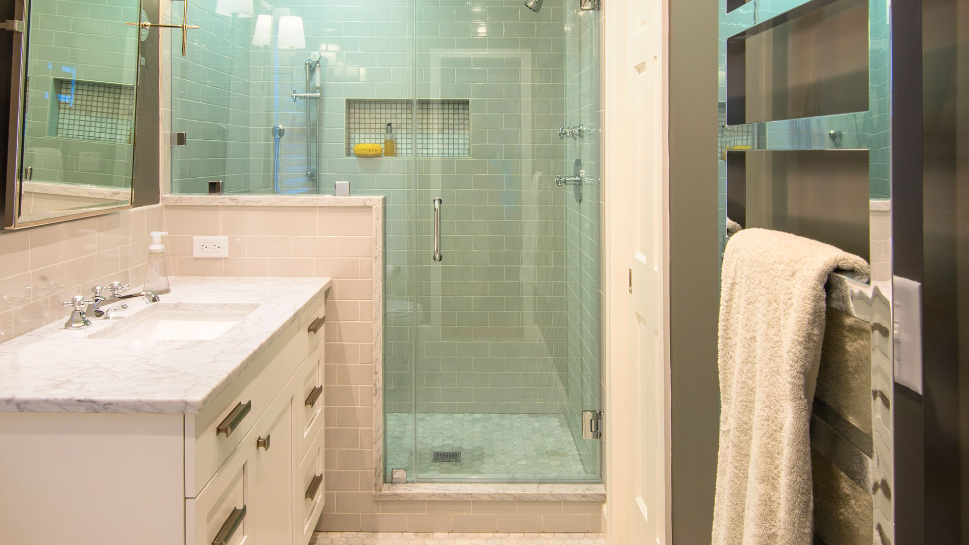 9 Ways to Make a Small Bathroom Feel Bigger